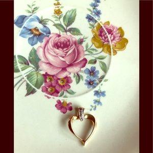 Jewelry - Vintage heart pendant